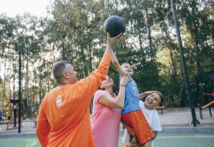 Τα παιδιά θα πρέπει να ασχολούνται με πολλά αθλήματα