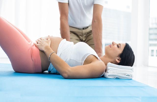 Πως η εγκυμοσύνη επηρεάζει τη στάση του σώματος